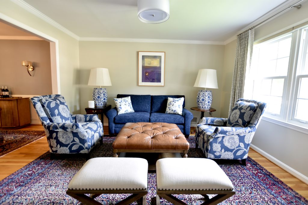 Before/After :: Updating a Beautiful Living Room - 1970 Dogwood Street
